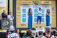 Fernando Gaviria (COL/Quick Step Floors) wins the sprint of the first stage and takes also the white jersey. <br /> <br /> Stage 1: Noirmoutier-en-l'&Icirc;le &gt; Fontenay-le-Comte (189km)<br /> <br /> Le Grand D&eacute;part 2018<br /> 105th Tour de France 2018<br /> &copy;kramon