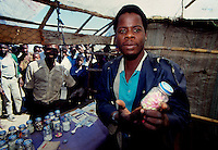 Maputo / Mozambique 1993.Medicine in vendita al mercato - Medicines for sale to the market..Photo Livio Senigalliesi.