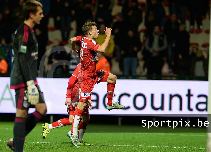 KV Kortrijk - RSC Anderlecht : Lukas Van Eenoo viert de 3-0<br /> Foto VDB / Bart Vandenbroucke