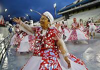 SÃO PAULO, SP, 11 DE FEVEREIRO DE 2012 - ENSAIO LEANDRO - Livia Andrade  durante ensaio técnico da Escola de Samba Leandro de Itaquera na preparação para o Carnaval 2012. O ensaio foi realizado na noite deste sabado (11) no Sambódromo do Anhembi, zona norte da cidade.FOTO ALE VIANNA - NEWS FREE