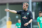 05.07.2019, Parkstadion, Zell am Ziller, AUT, TL Werder Bremen - Tag 01<br /> <br /> im Bild / picture shows <br /> <br /> <br /> Florian Kohfeldt (Trainer SV Werder Bremen)<br /> Gestik, Mimik,<br /> Einzelaktion, Halbkörper / Halbkoerper,<br /> <br /> Foto © nordphoto / Kokenge