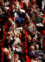 Delegati votano durante i lavori della seconda giornata dell'Assemblea Nazionale del Partito Democratico a Roma, 21 settembre 2013.<br /> Delegates vote during the second day of the Italian Democratic Party's National Assembly in Rome, 21 September 2013.<br /> UPDATE IMAGES PRESS/Riccardo De Luca