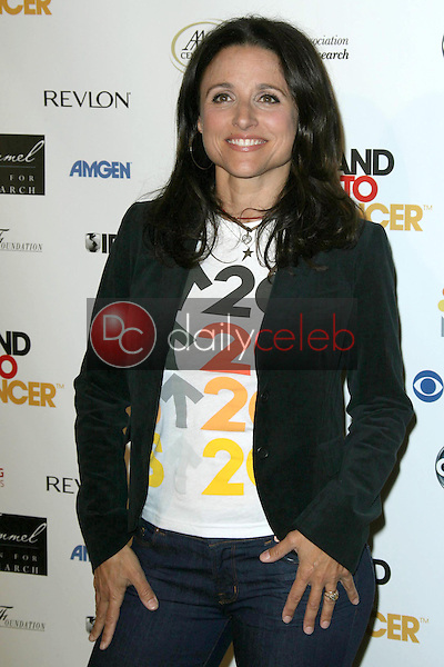 Julia Louis Dreyfus<br />at Stand Up To Cancer. Kodak Theater, Hollywood, CA. 09-05-08<br />Dave Edwards/DailyCeleb.com 818-249-4998