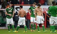 FUSSBALL   1. BUNDESLIGA   SAISON 2013/2014   9. SPIELTAG SV Werder Bremen - SC Freiburg                           19.10.2013 Santiago Garcia, Oezkan Yildirim, Sebastian Proedl, Santiago Garcia (v.l., alle SV Werder Bremen) sind nach dem Abpfiff enttaeuscht