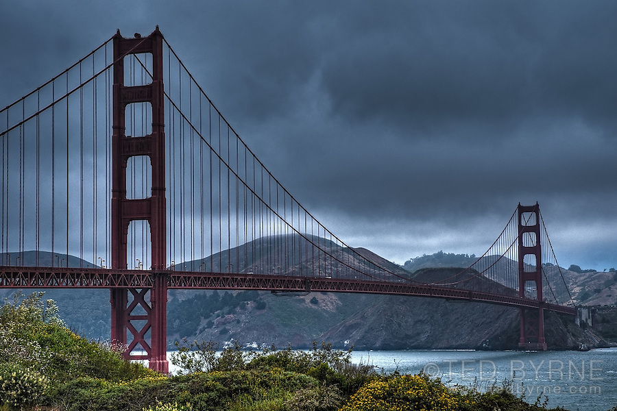 Golden Gate Bridge under grey skies