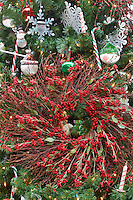 Christmas decorations on Christmas tree with wreath. Al's Nursery. Sherwood. Oregon