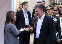 BOGOTA -COLOMBIA. 25-05-2014. El presidente de la republica de Colombia Juan Manuel Santos vota en la mesa numero 1 del capitolio nacional para la eleccion de presidente para el periodo 2014-2018. Elecciones para presidente de la Republica de Colombia periodos 2014-2018.   /  The president of the republic of Colombia Juan Manuel Santos vote on table number 1 national capitol for the election of President for the period 2014-2018. Elections for President of the Republic of Colombia from 2014 to 2018 periods.. Photo: VizzorImage/ Felipe Caicedo