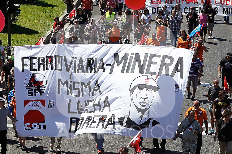 Spanish coal miners demonstrate on July 11, 2012 in Madrid, in protest at industry subsidy cuts that they say threaten their communities. Miners want to reverse the Spanish government's decision to slash subsidies to the coal pits on which many northern towns rely by nearly two thirds to 111 million euros this year ($137 million) from 301 million euros last year.(ALTERPHOTOS/Alconada)