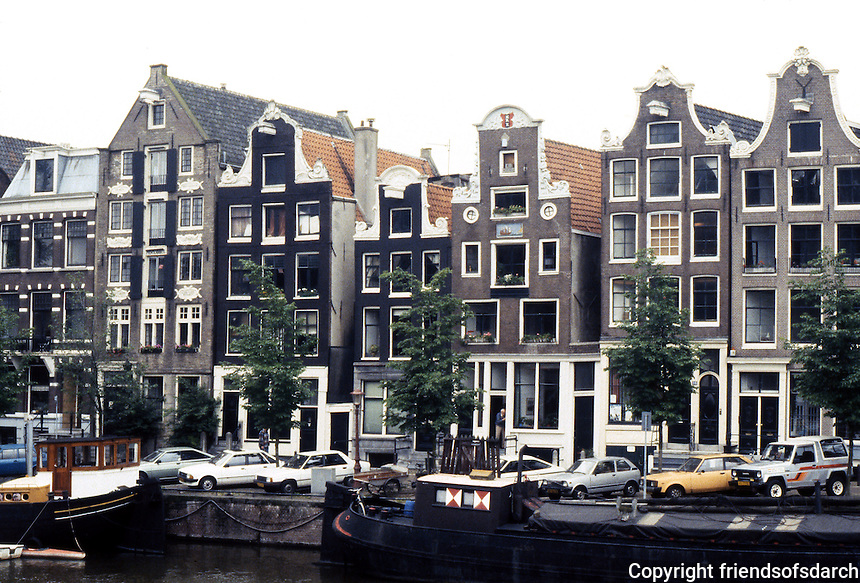 Amsterdam: Canal across from Scheepvaarthuis. The street is Oude Waal. Photo '87.
