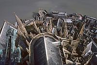 Europe/France/Normandie/Basse-Normandie/50/Manche/Mont Saint-Michel: Chevet et escalier de dentelle vus depuis la flèche