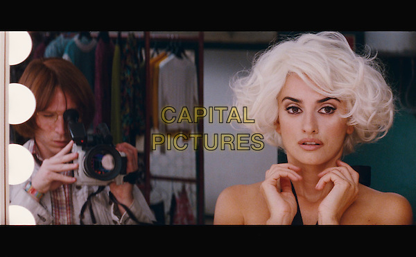 PENELOPE CRUZ.in Broken Embraces (Los abrazos rotos).*Filmstill - Editorial Use Only*.CAP/PLF.Supplied by Capital Pictures.