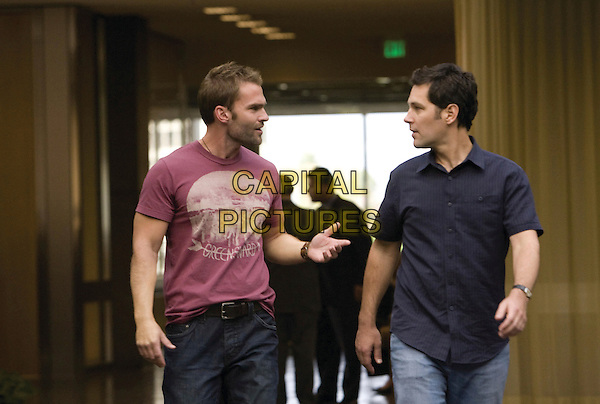 SEANN WILLIAM SCOTT & PAUL RUDD.in Role Models.*Filmstill - Editorial Use Only*.CAP/FB.Supplied by Capital Pictures.