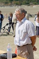 Maurice BRIFFAUT,conducteur d'engins, victime d'un malaise alors qu'il ramassait des algues vertes en 1999, 5 jours de coma, plusieurs mois d'arret de travail et des sequelles permanentes