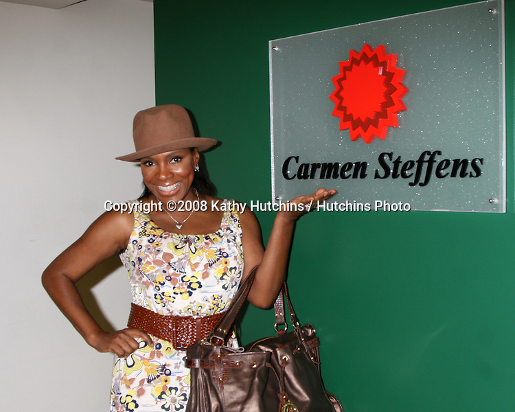 "Sheryl Lee Ralph shopping for shoes and purses as the Carmen Steffens store hosts the  ""Divas Simply Singing"" ladies at the Carmen Steffens Store at the Westfield Fahion Square Mall, in Sherman Oaks,  CA on.October 9, 2008.©2008 Kathy Hutchins / Hutchins Photo....                ."