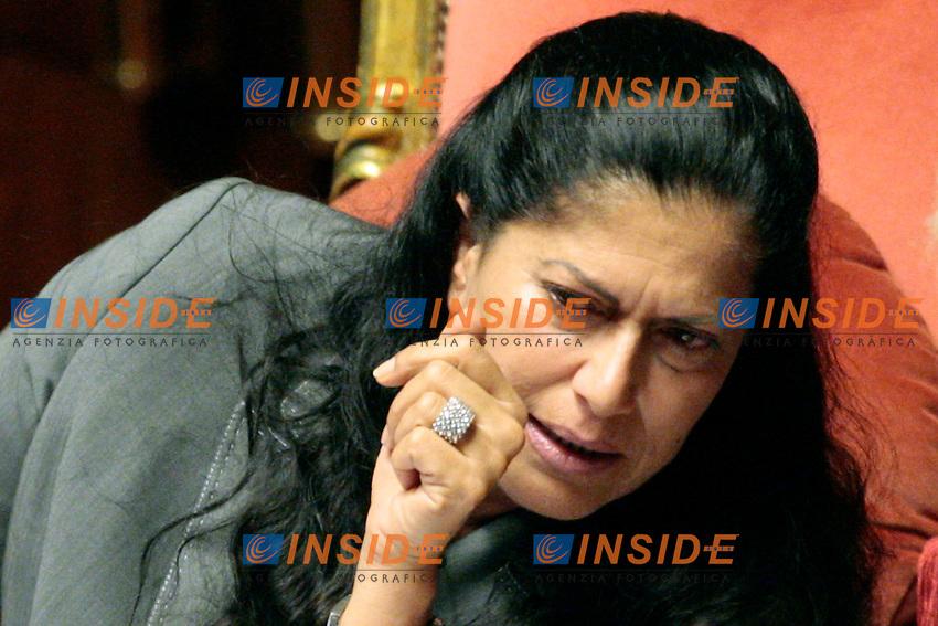 Rosi Mauro con un grosso anello di brillanti al dito.Roma 24/04/2012 Senato. Voto di Fiducia sulla prima parte del Decreto Fiscale..Photo Samantha Zucchi Insidefoto