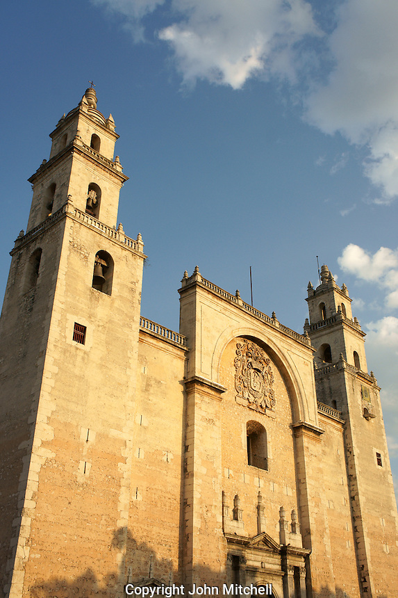 The 16th century cathedral or Catedral de Ildefonso on Plaza Grande in Merida, Yucatan, Mexico.
