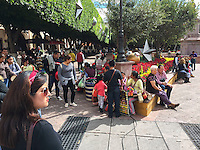 Querétaro, Qro. 30 de diciembre de 2016.- Notable incremento del turismo en el fin de año en la entidad. La terminal de autobuses, los centros comerciales y el centro histórico es visiblemente mucho más ocupada.