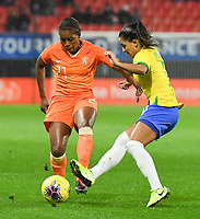 20200304 Valenciennes , France : Dutch Lineth Beerensteyn (21)and Brazilian Debinha (9)  pictured during the female football game between the national teams of The Netherlands and Brasil on the first matchday of the Tournoi de France 2020 , a prestigious friendly womensoccer tournament in Northern France , on wednesday 4 th March 2020 in the Stade du Hainaut of Valenciennes , France . PHOTO SPORTPIX.BE | DIRK VUYLSTEKE
