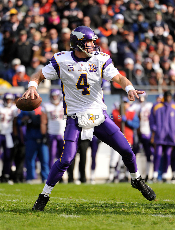 BRETT FAVRE, of the Minnesota Vikings, in action  during the Vikings game against the Chicago Bears on November 14, 2010 at Soldier Field in Chicago, IL...Bears won 27-13..