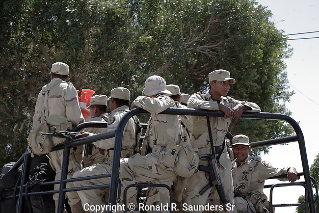 MEXICAN ARMY IN TRUCK (2)