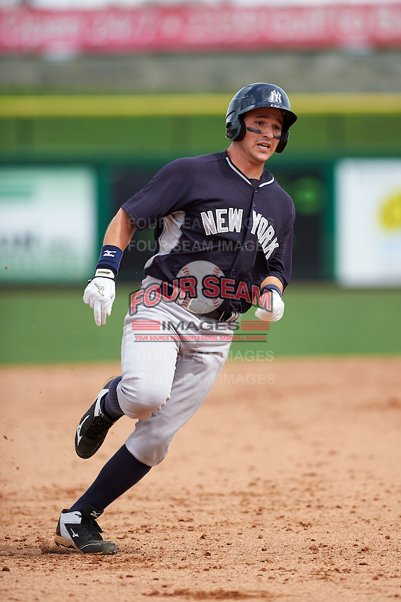New York Yankees Luis Torrens (26) during an instructional league game against the Philadelphia Phillies on September 29, 2015 at Brighthouse Field in Clearwater, Florida.  (Mike Janes/Four Seam Images)