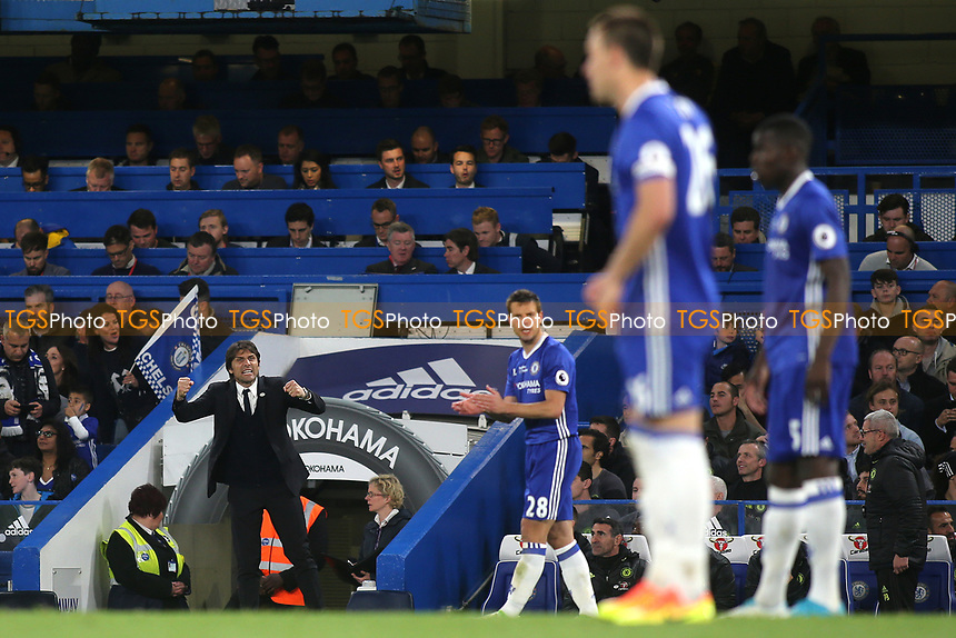 Chelsea Manager, Antonio Conte, appears to yell at Chelsea's John Terry and Kurt Zouma during Chelsea vs Watford, Premier League Football at Stamford Bridge on 15th May 2017
