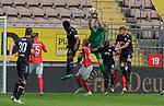 Fussball - 3.Bundesliga - Saison 2019/20<br /> Kaiserslautern -  Fritz-Walter-Stadion 20.6.2020<br /> 1. FC Kaiserslautern (fck) - KFC Uerdingen (uer) 4:0<br /> Torwart Lennard GRILL (1. FC Kaiserslautern)<br /> <br /> Foto © PIX-Sportfotos *** Foto ist honorarpflichtig! *** Auf Anfrage in hoeherer Qualitaet/Aufloesung. Belegexemplar erbeten. Veroeffentlichung ausschliesslich fuer journalistisch-publizistische Zwecke. For editorial use only. DFL regulations prohibit any use of photographs as image sequences and/or quasi-video.
