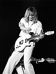 Cheap Trick 1979 Robin Zander.© Chris Walter.