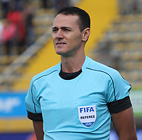 BOGOTÁ - COLOMBIA, 23-02-2020:Wimar Roldan Pérez referee central  durante partido entre La Equidad  y Deportivo Pereira por la fecha 4 de la Liga BetPlay I 2020 jugado en el estadio Metropolitano de Techo de la ciudad de Bogotá. / Central referee Wilmar Roldan Perez during match between La Equidad and Deportivo Pereira for the date 4 as part of BetPlay League I 2020 played at Metroplitano de Techo  stadium in Bogota. Photo: VizzorImage / Felipe Caicedo / Staff