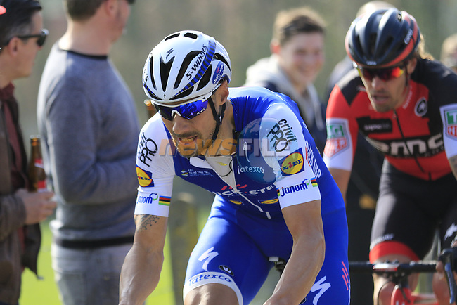 Tom Boonen (BEL) Quick-Step Floors attacks on the Taaienberg 18% cobbled climb during the 60th edition of the Record Bank E3 Harelbeke 2017, Flanders, Belgium. 24th March 2017.<br /> Picture: Eoin Clarke | Cyclefile<br /> <br /> <br /> All photos usage must carry mandatory copyright credit (&copy; Cyclefile | Eoin Clarke)