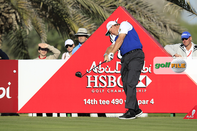 Ernie Els (RSA) tees off the 14th tee during Friday's Round 2 of the Abu Dhabi HSBC Golf Championship at Abu Dhabi Golf Club, 18th January 2013 (Photo Eoin Clarke/www.golffile.ie)