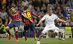 """Real Madrid's French forward Karim Benzema controls the ball during the """"El clasico"""" Spanish League football match Real Madrid vs Barcelona at the Santiago Bernabeu stadium in Madrid on March 23, 2014.   PHOTOCALL3000/ DP"""