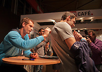 10-02-14, Netherlands,Rotterdam,Ahoy, ABNAMROWTT, Andy Murray signing autographs<br />