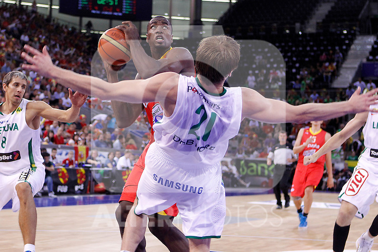 Spain's Serge Ibaka (f) and Lithuania's Martynas Pocius during friendly match.August 13,2011. (ALTERPHOTOS/Acero)