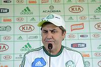 SAO PAULO, 29 DE MARCO DE 2013 - TREINO PALMEIRAS - O Tecnico Gilson Kleina durante coetiva de imprensa no CT da Barra Funda, região oeste da capital, na manha desta sexta feira, 29. (FOTO: ALEXANDRE MOREIRA / BRAZIL PHOTO PRESS)
