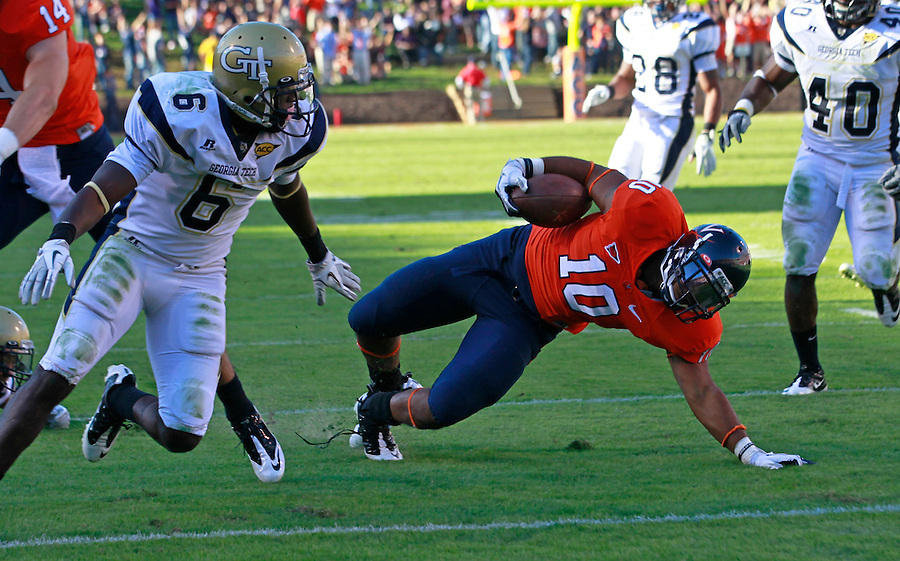 Oct. 15, 2011-Charlottesville, VA.-USA-  Virginia Cavaliers running back Clifton Richardson (10) reaches for a 2nd quarter touchdown during an ACC football game against the Georgia Tech at Scott Stadium. Virginia won 24-21. (Credit Image: © Andrew Shurtleff