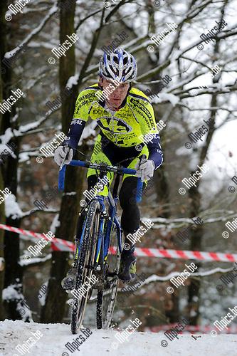 2010-12-04 / Veldrijden / seizoen 2010-2011 / Tim Van Nuffel..Foto: Mpics