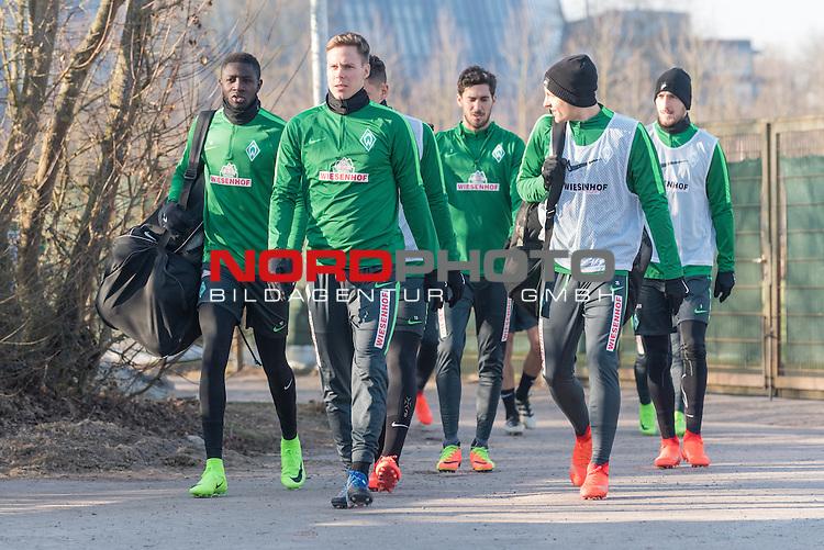 14.02.2017, Trainingsgelaende, Bremen, GER, 1.FBL, Training Werder Bremen<br /> <br /> im Bild<br /> Ousman Manneh (Bremen #47), Niklas Moisander (Bremen #18), Santiago Garcia (Bremen #2), Maximilian Eggestein (Bremen #35), Luca Caldirola (Bremen #3), <br /> <br /> Foto &copy; nordphoto / Ewert