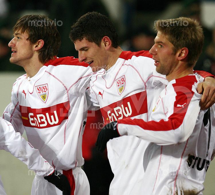 Fussball 1. Bundesliga 2005/2006 17. Spieltag VfB Stuttgart 2-0 FC Schalke 04 JUBEL VfB; Christian Gentner , Mario Gomez und Thomas Hitzelsperger (v.li)