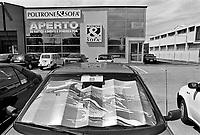 - paesaggio suburbano lungo la strada statale Rimini - San Marino (giugno 1997)<br /> <br /> - suburban landscape along the highway Rimini - San Marino (June 1997)