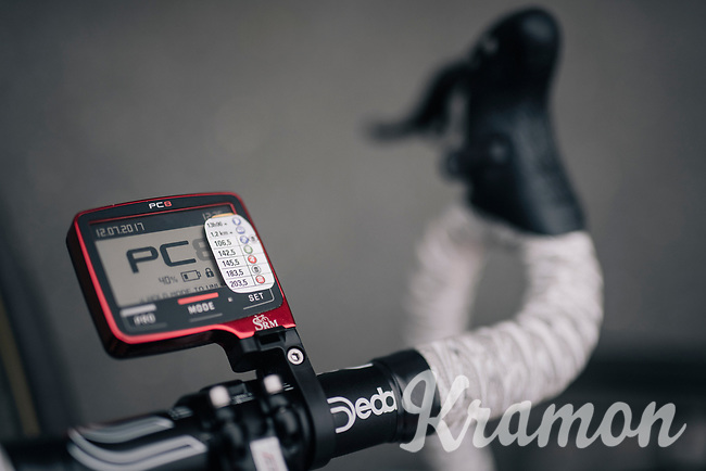 Mr Minimal Adam Hansen (AUS/Lotto-Soudal): stripped down stage info over his 40% charged SRM powermeter<br /> <br /> 104th Tour de France 2017<br /> Stage 11 - Eymet &rsaquo; Pau (202km)
