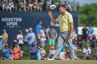 Robert Garrigus (USA) acknowledges the crowd as he is introduced while approaching the green on 18 during round 4 of the Houston Open, Golf Club of Houston, Houston, Texas. 4/1/2018.<br /> Picture: Golffile | Ken Murray<br /> <br /> <br /> All photo usage must carry mandatory copyright credit (&copy; Golffile | Ken Murray)