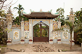 VIETNAM, Hanoi, the entrance to a temple near Bathrang village