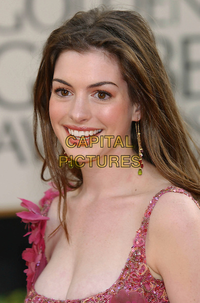 ANNE HATHAWAY.60th Golden Globe Awards, Los Angeles, USA..January 19th, 2003.headshot portrait Ann.CAP/PL.©Phil Loftus/Capital Pictures