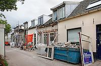 Nederland Spakenburg. Renovatie van oude woningen in Spakenburg
