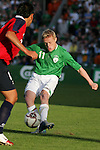 Dublin Ireland. Irelands No 11 Damien Duff during the friendly soccer international at Lansdowne road Dublin Ireland 24/5/06.Photo AFP/NEWSFILE/FRAN CAFFREY..(Photo credit should read AFP PHOTO/FRAN CAFFREY/NEWSFILE)...This Picture has been sent you under the condtions enclosed by:.Newsfile Ltd..the Studio,.Millmount Abbey,.Drogheda,.Co Meath..Ireland..Tel: +353(0)41-9871240.Fax: +353(0)41-9871260.GSM: +353(0)86-2500958.email: pictures@newsfile.ie.www.newsfile.ie.FTP: 193.120.102.198..This picture is from Fran Caffrey@newsfile.ie