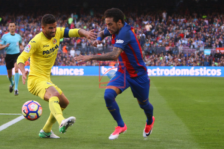 League Santander 2016/2017. Game: 36.<br /> FC Barcelona vs Villarreal CF: 4-1.<br /> Musacchio vs Neymar Jr.