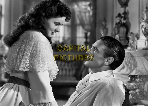 INGRID BERGMAN & GARY COOPER .in Saratoga Trunk.*Filmstill - Editorial Use Only*.CAP/PLF.Supplied by Capital Pictures.