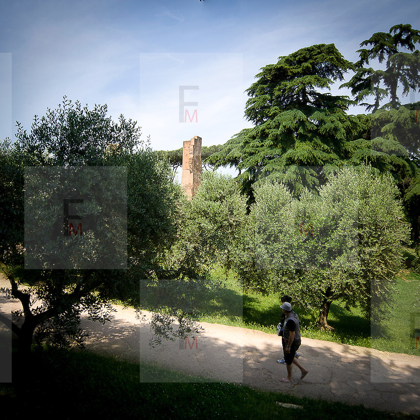 Turisti sul Palatino<br /> Tourists on Palatino