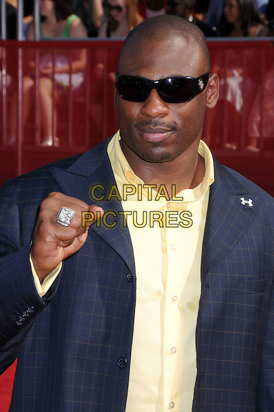 BRANDON JACOBS.ESPY Awards 2008 - Arrivals at the Nokia Theatre LA Live, Los Angeles, California, USA..July 16th, 2008.half length blue suit jacket yellow shirt hand fist ring sunglasses shades .CAP/ADM/BP.©Byron Purvis/AdMedia/Capital Pictures.